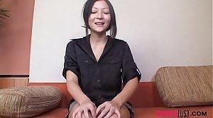 Japanese MILF Makiko Sumida fucked in pussy