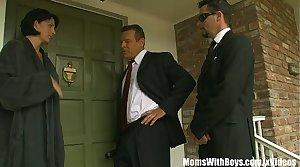 The Governor Fucks MILF Reporter Roxanne Castle