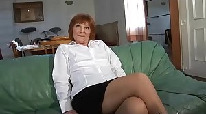 Dabbler mature french woman tasting a cock