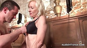 Sexy amateur french mature unfathomable cavity analized with cum 2 mouth in a bar