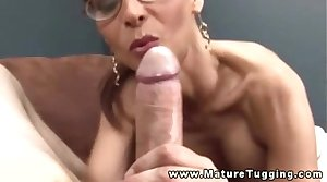 Busty mature in spex tugging on bushwa coupled with cant get fair