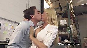 Bigtit MILF boss down stockings blows new employee