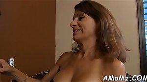 Sexy mama gets pleasure of schlong