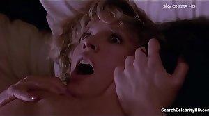 Kim Basinger Stepmother an Alien 1988