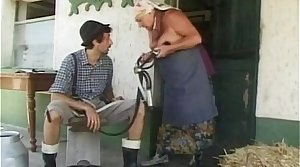 Chubby granny gets a huge load