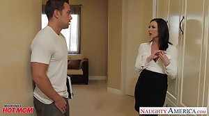 Chesty mom Kendra Libido gets facial