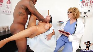 Jadan Pushover Gets Will not hear of Pussy Fingered By Dr. Sara Jay Before Rome Major Deep Strokes His Illustrious Cock in Will not hear of