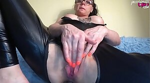Slut in Latex Serve Mechanical Masturbate Pussy after Combo unite